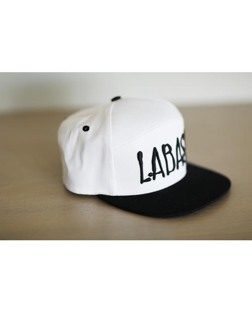 """Kepurė su snapeliu """"LABAS"""""""