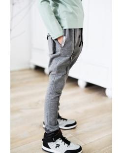 Pilkos 3D kelnės