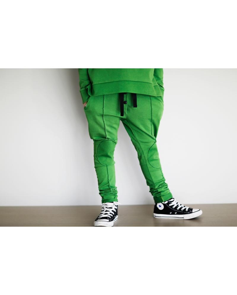 Žalios 3D kelnės